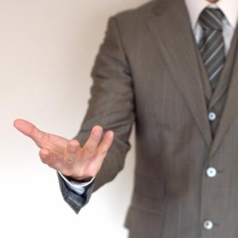 サラリーマンの副業は少ない労力で大きい利益を出すものがオススメです。